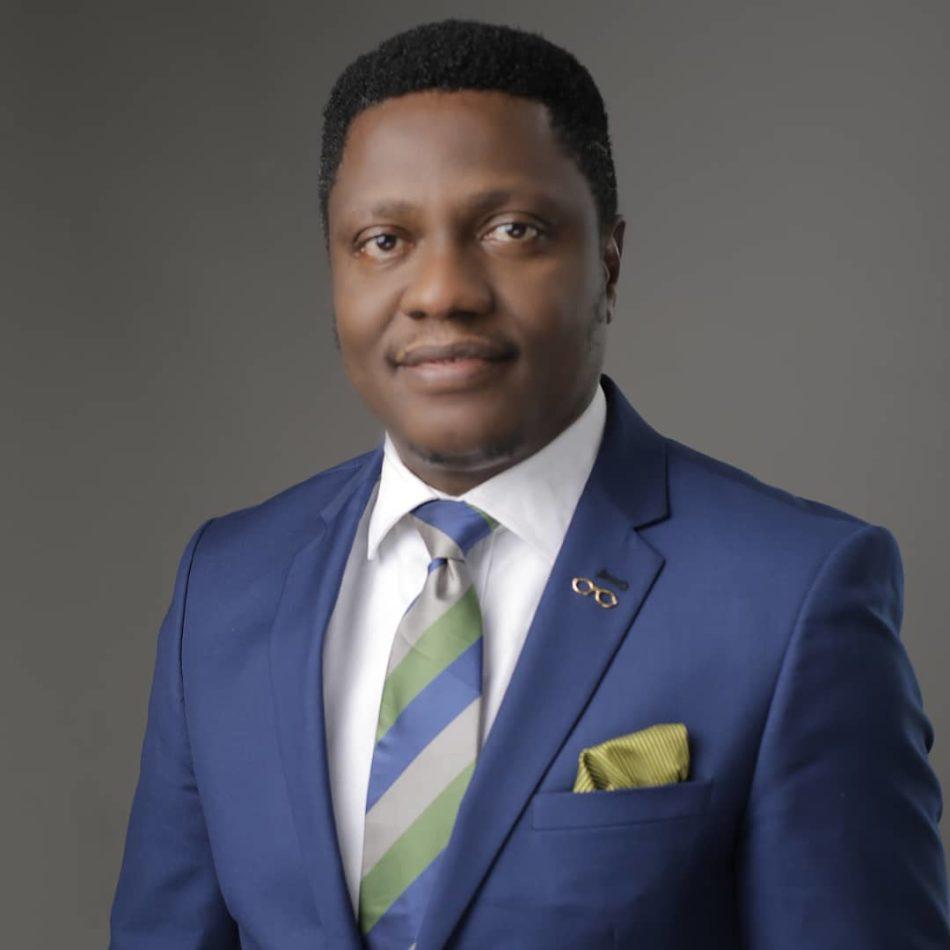 Dr. Obinna - Eye Masters